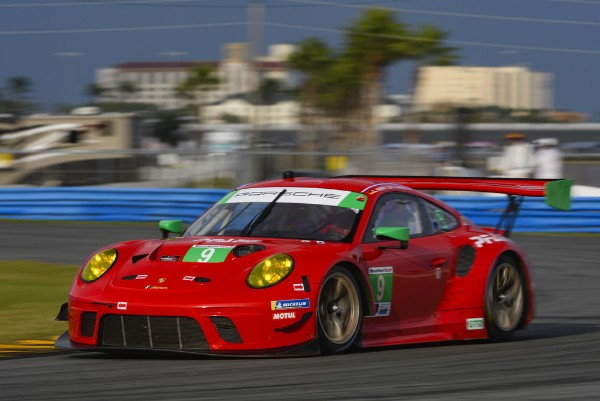 Race Debut For The New Porsche 911 Gt3 R At The Daytona 24 Hour
