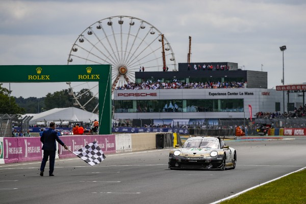 Quadruple triumph in world championship: Porsche wins all GT titles