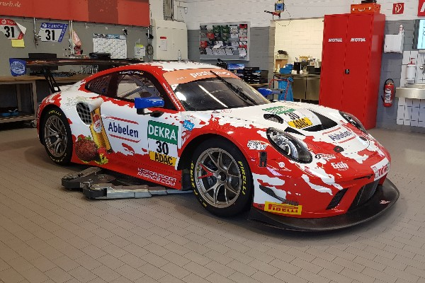 Endurance specialists Frikadelli Racing with ADAC GT Masters guest start at Nürburgring