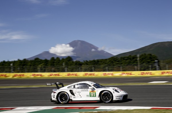 First WEC pole position for the new Porsche 911 RSR
