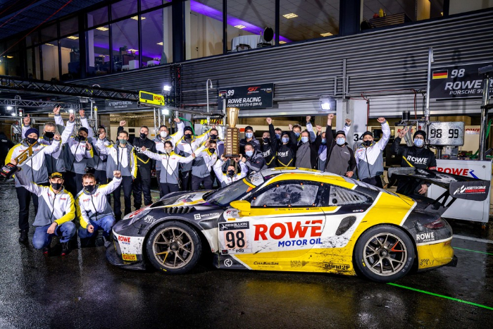 Great Porsche success at the 24 Hours of Spa: Victory and four 911 GT3 R in the top ten