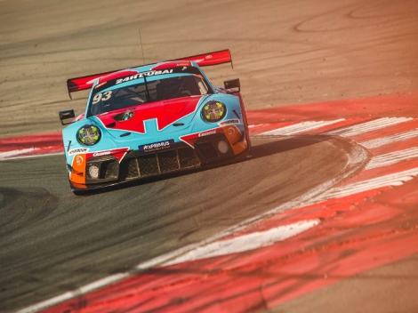 Lloyd sets encouraging early pace at Dubai24-Hour