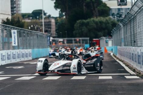 Pascal Wehrlein achieves first Formula E podium of the season forPorsche